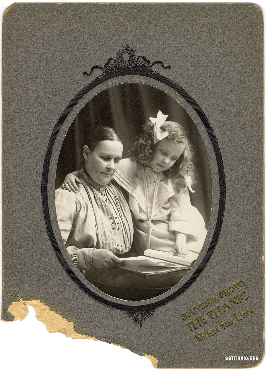 souvenir photo cabinet card photograph passengers survivors victims titanic 1912